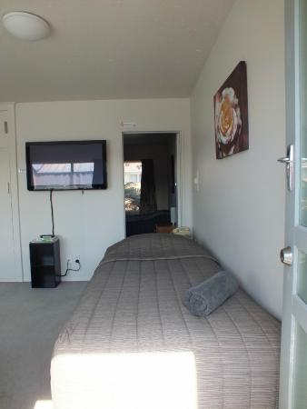 Cranford Cottages and Motel: one bedroom unit