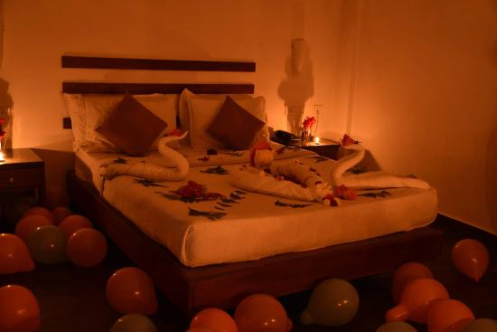 The Wind Munnar: Wedding Anniversary Special Room Decorations
