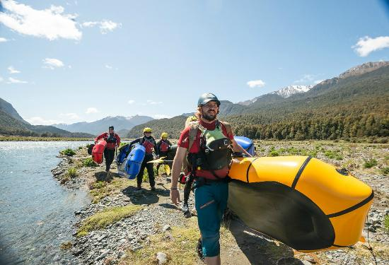 Expedition X - Packrafting New Zealand - Queenstown: Super light boats