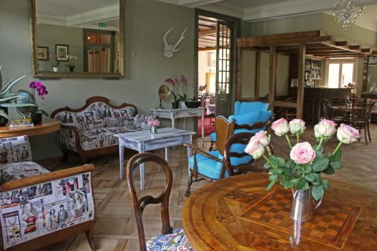 Alpenrose Hotel and Gardens: Our Boutique lounge area