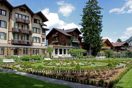 ‪Alpenrose Hotel and Gardens‬