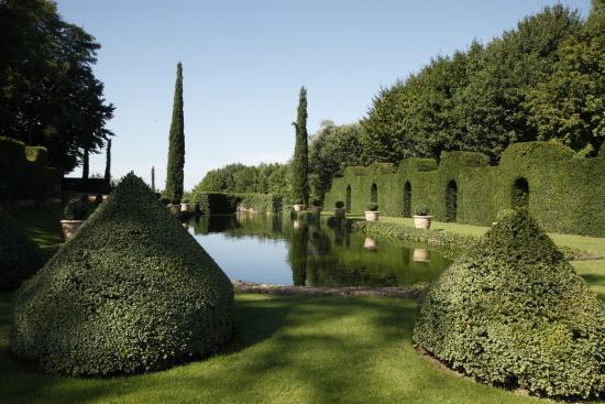 Le miroir d 39 eau eric sander picture of les jardins for Les baladins du miroir