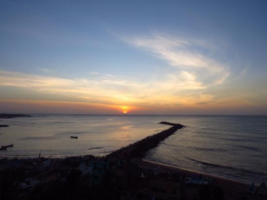 Hotel Maadhini: View of sunset from the room's balcony
