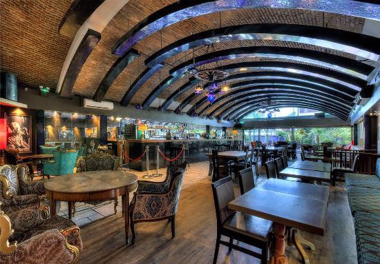 Ev Restaurant: Ev Bar - Food & Drinks