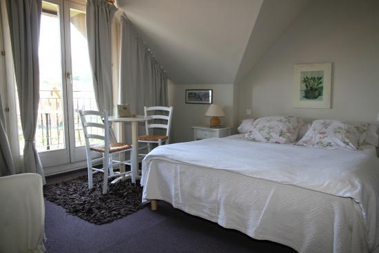 Hôtel Belle Vue: autre chambre
