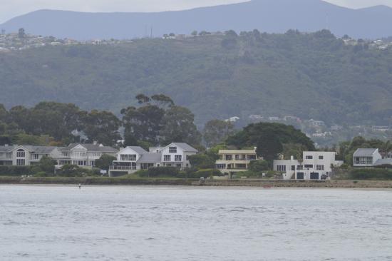 Leisure Isle Lodge: Vista desde el lago