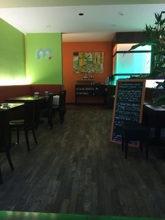 Mlooi Sushi Bar