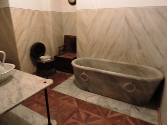 Stanza da bagno - Foto di Castello di Miramare - Museo Storico ...