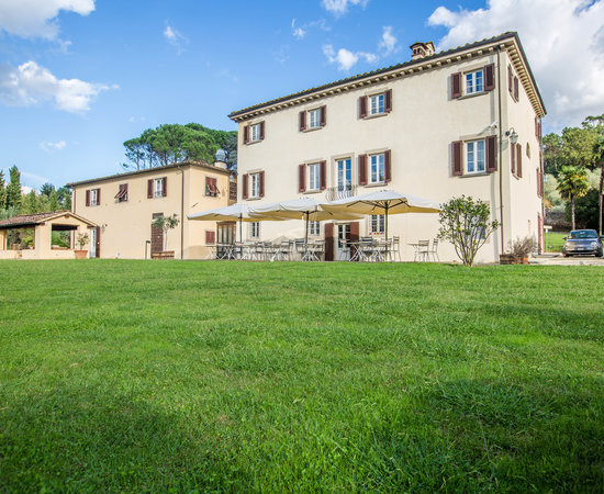 Albergo villa marta lucca italy hotel reviews photos - Hotels in lucca italy with swimming pool ...