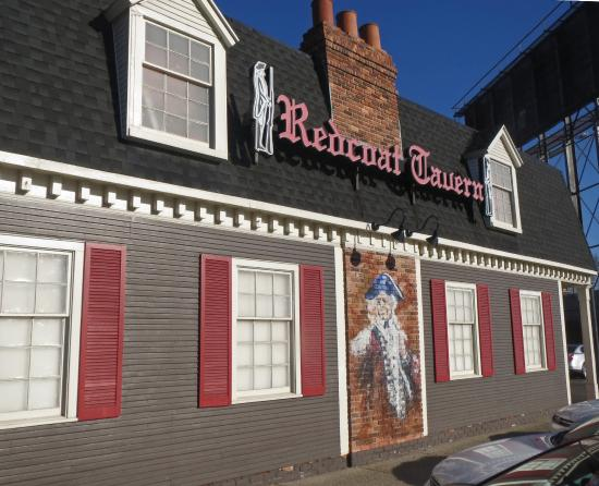 Storefront on Woodward - Picture of Red Coat Tavern Royal Oak