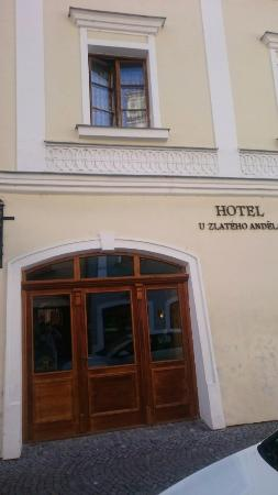 Hotel U Zlateho Andela: Вход