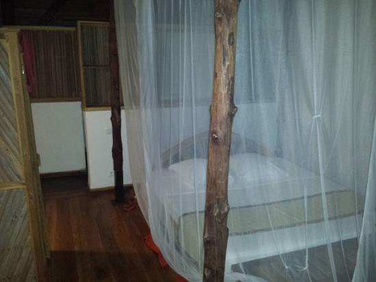 La Casa Flops: The bed