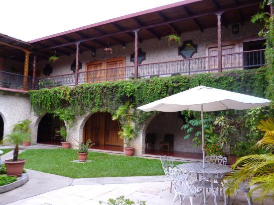 Hotel Del Patio: Vue depuis le patio de l'hôtel