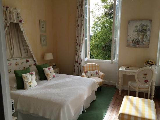 Pessac-sur-Dordogne, France : Zimmer