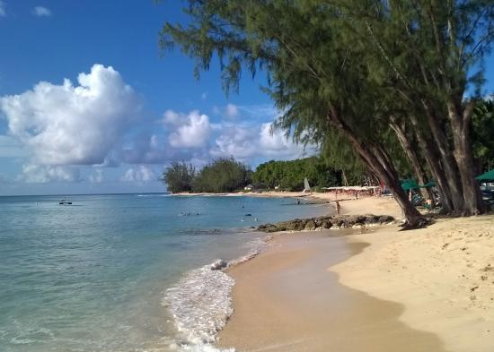 Holetown, Barbados: Lovely beach and good swimming area