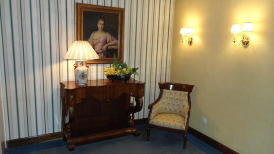 Hotel Reina Isabel : corridor