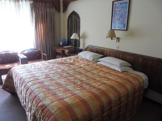 Nirvana Garden Hotel: Even bigger bed