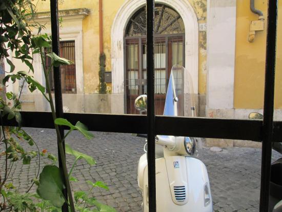 B&B Ventisei Scalini a Trastevere: View from room