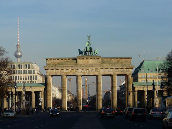 Porte de brandebourg picture of brandenburg gate berlin for Porte de brandebourg