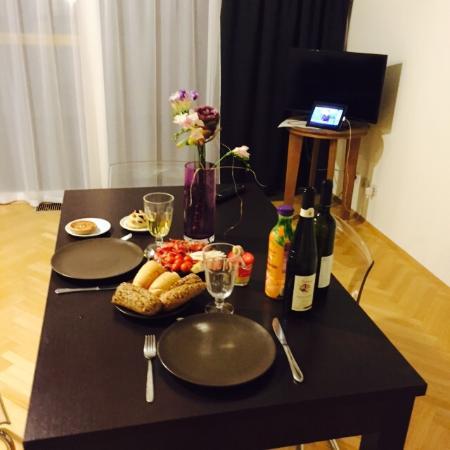 Deminka Palace: Ужин в гостиной