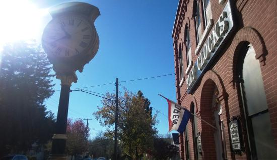 Spillville, IA: Nice day out - exterior