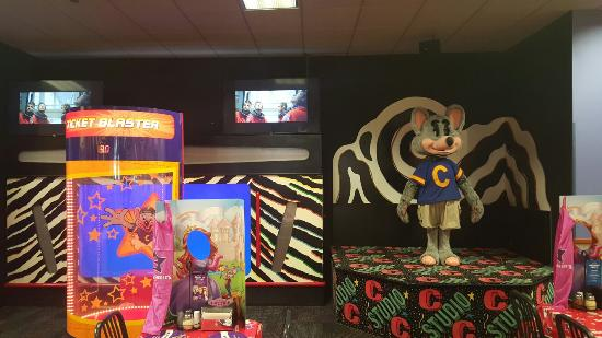 chuck e cheese s picture of chuck e cheese s las cruces tripadvisor