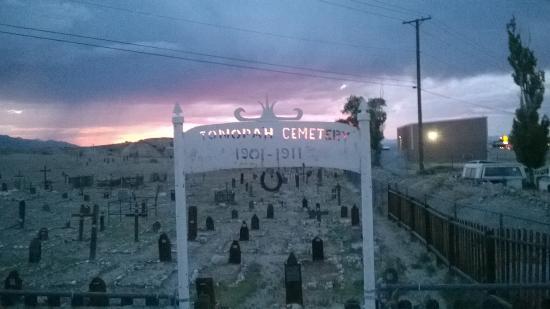 Tonopah, Νεβάδα: Cemitério em frente ao Motel