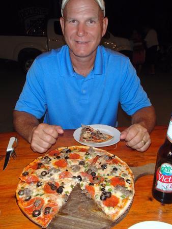 Mauricio's San Juan Pizzeria : Yum!