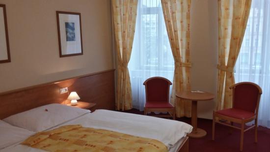 Hotel Ceska Koruna: Room