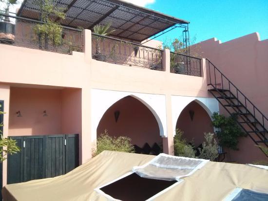 Dar Loula: Вид на террасу