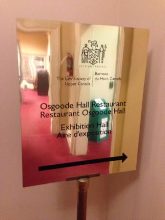 Osgoode Hall Restaurant: Entrance