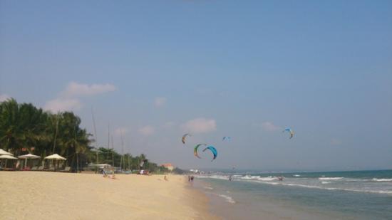 Vinh Suong Seaside Hotel: Plaża