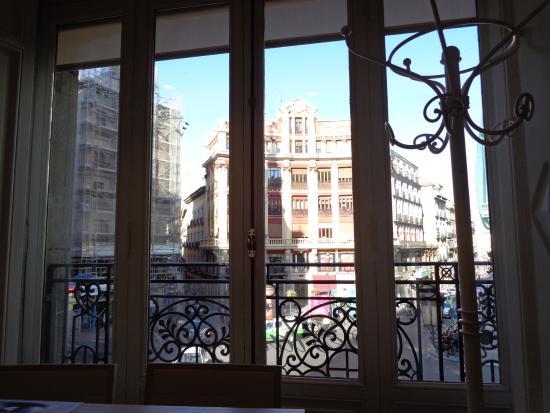 Uvepan: 1º planta vista a Canalejas