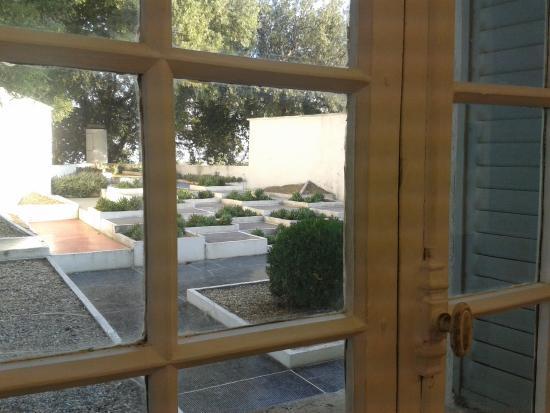 vue sur le jardin - Picture of Villa Noailles, Hyeres - TripAdvisor