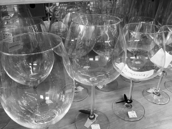 lullus tutto cucina wine glasses