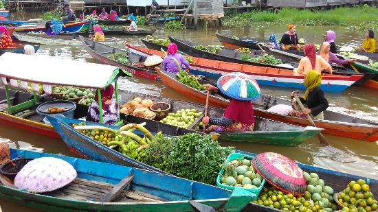Lokbaintan Floating Market