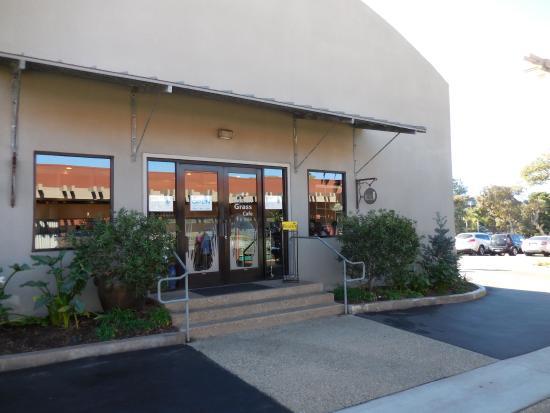 Solana Beach, Californië: Main entrance on side of building