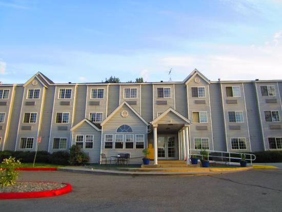 Microtel Inn & Suites by Wyndham Anchorage Airport: Entrance
