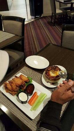 Holiday Inn Newark Airport: 20151121_163038_large.jpg