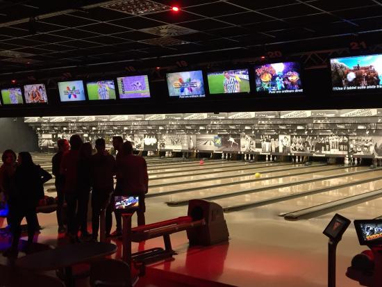 Bowling Brunswick