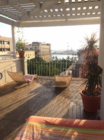 La spettacolare vista sul porto dal terrazzo - Foto di La Terrazza ...