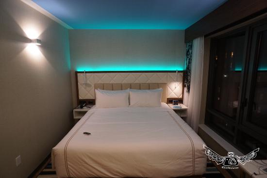 King Room And Mood Lighting Picture Of Even Hotel Times Square