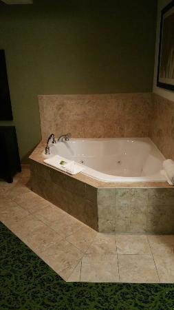 Holiday Inn Express Stroudsburg - Poconos: 20151120_171322_large.jpg
