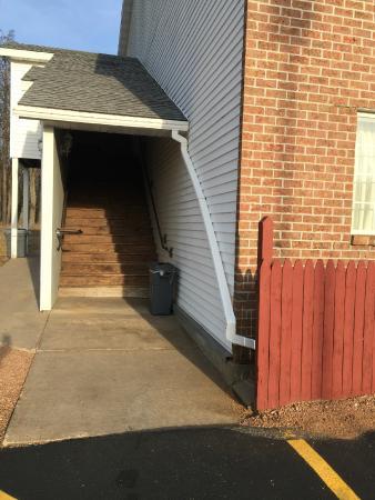 Adams, Висконсин: back entrance