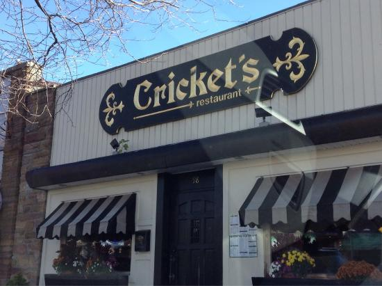 Simple Restaurant In The Heart Of Sayville Cricket S