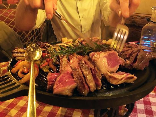 Girandola di carne alla griglia foto di la buatta del for Ristorante australiano milano