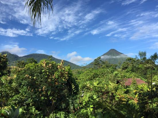 Casa Luna Hotel & Spa: View of volcanos from balcny