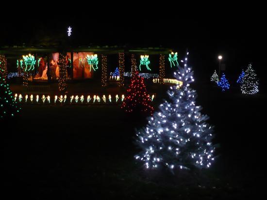 wilson lodge at oglebay resort conference center the garden of light - Oglebay Christmas Lights