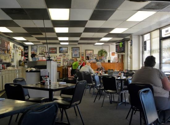 Harrisburg, Северная Каролина: Interior - Main Dining Area