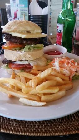 Kuta Puri Restaurant: 20151119_151333_large.jpg